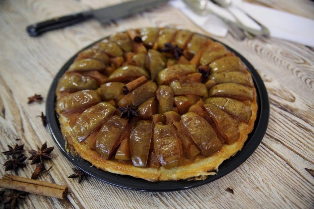 apple tarte tatin dessert